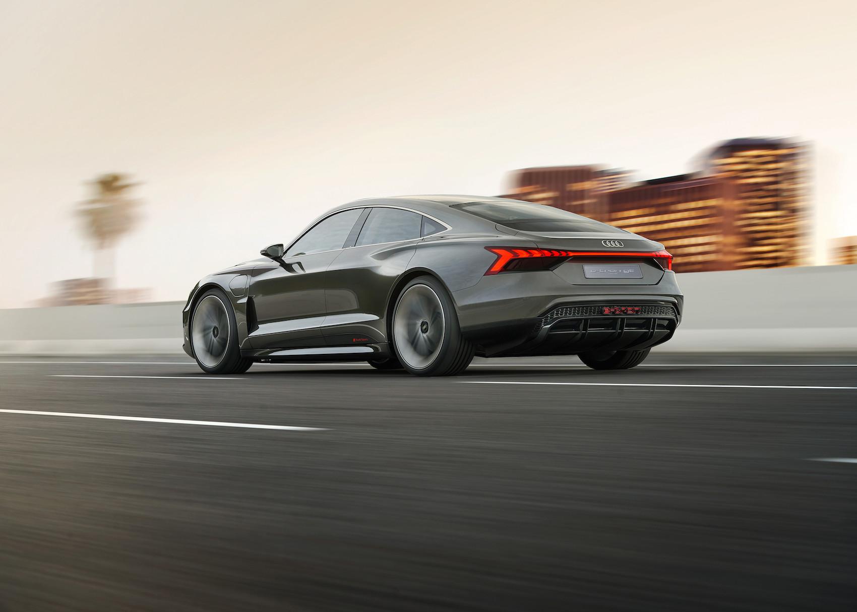 Le centre de gravité de l'e-tron GT concept d'Audi est comparable à celui du modèle R8. (AUDI)