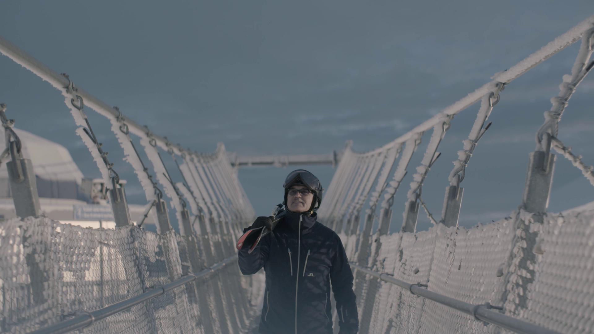 """""""Il primo paio di sci digitali al mondo"""" dice Thomas Koller parlando degli sci """"five star""""."""
