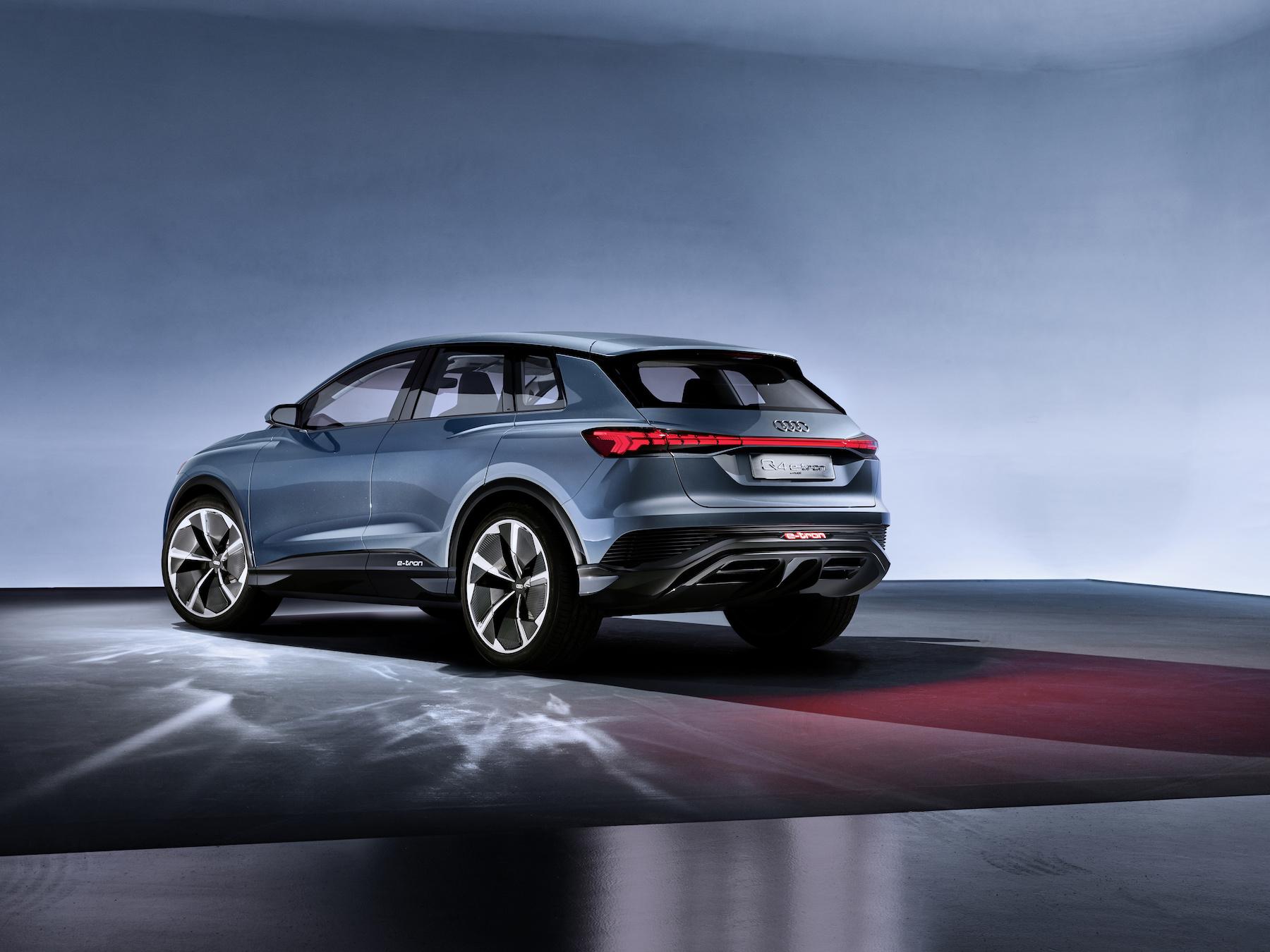 Der Audi Q4 e-tron concept kommt mit einem E-Motor pro Achse. (AUDI)