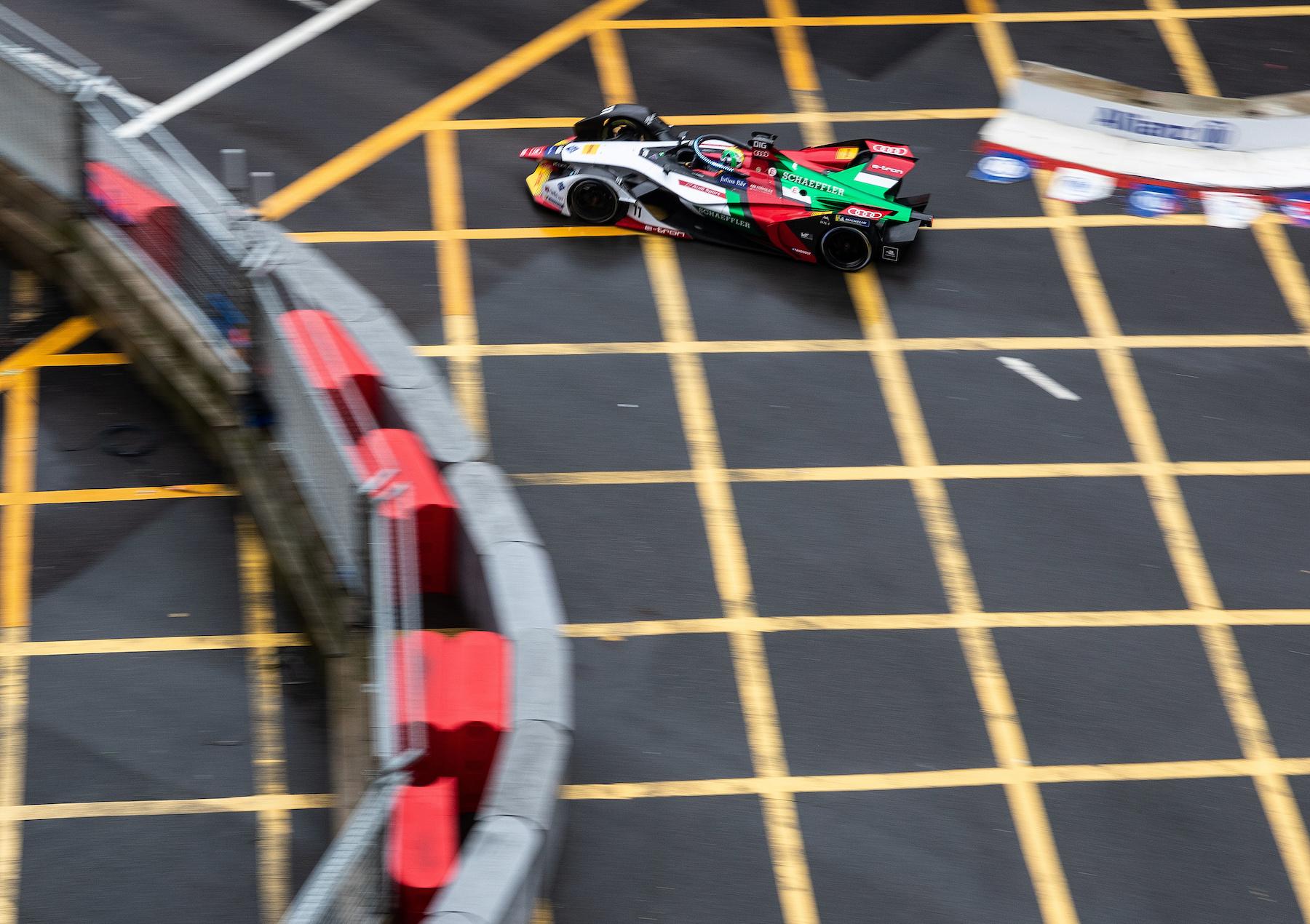 Nella stagione in corso i piloti possono aumentare ulteriormente la potenza allontanandosi dalla linea ideale. (Audi Communications Motorsport/Michael Kunkel)