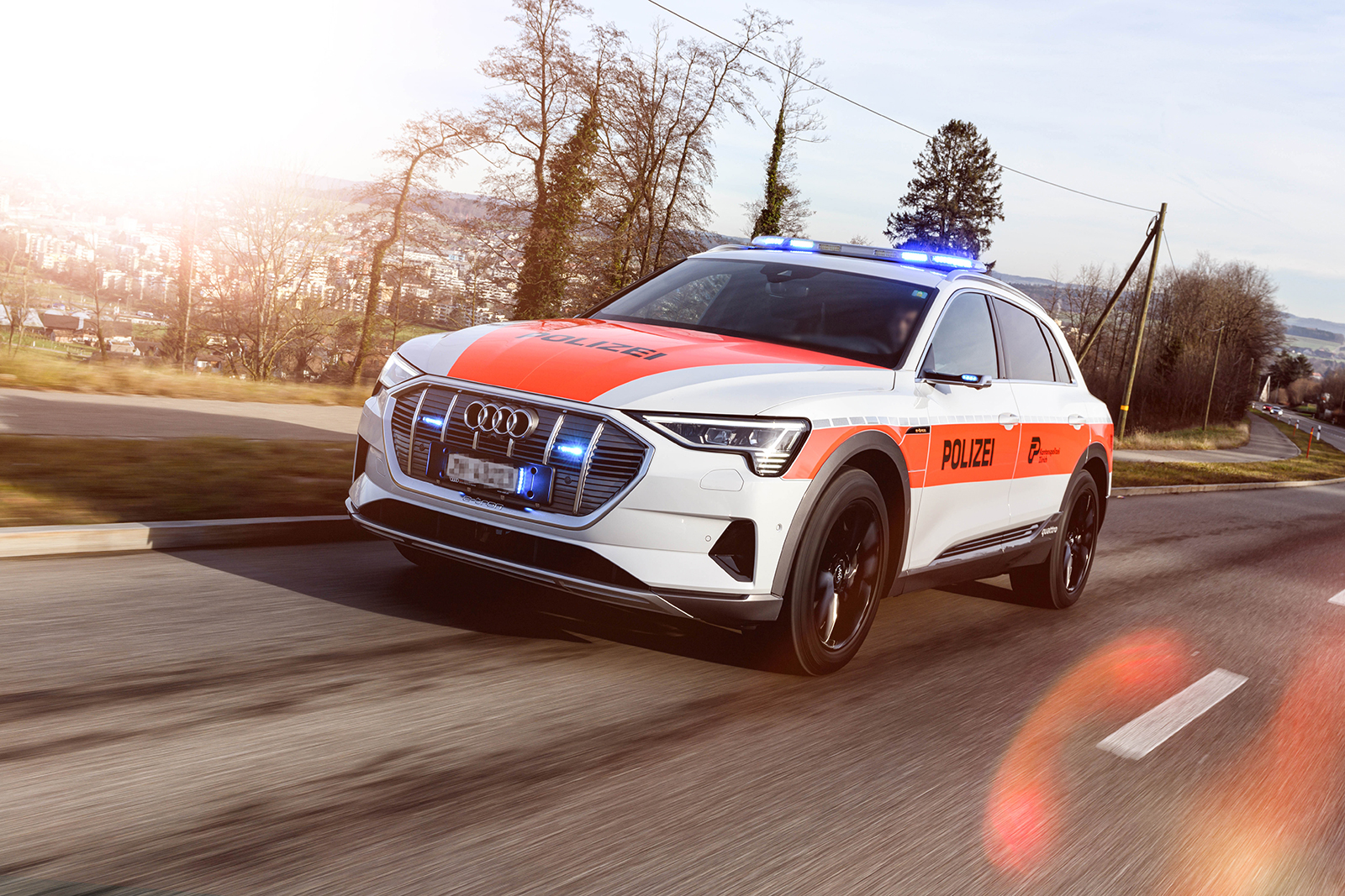 Der Audi e-tron der Kantonspolizei Zürich im Einsatz. (Kantonspolizei Zürich)