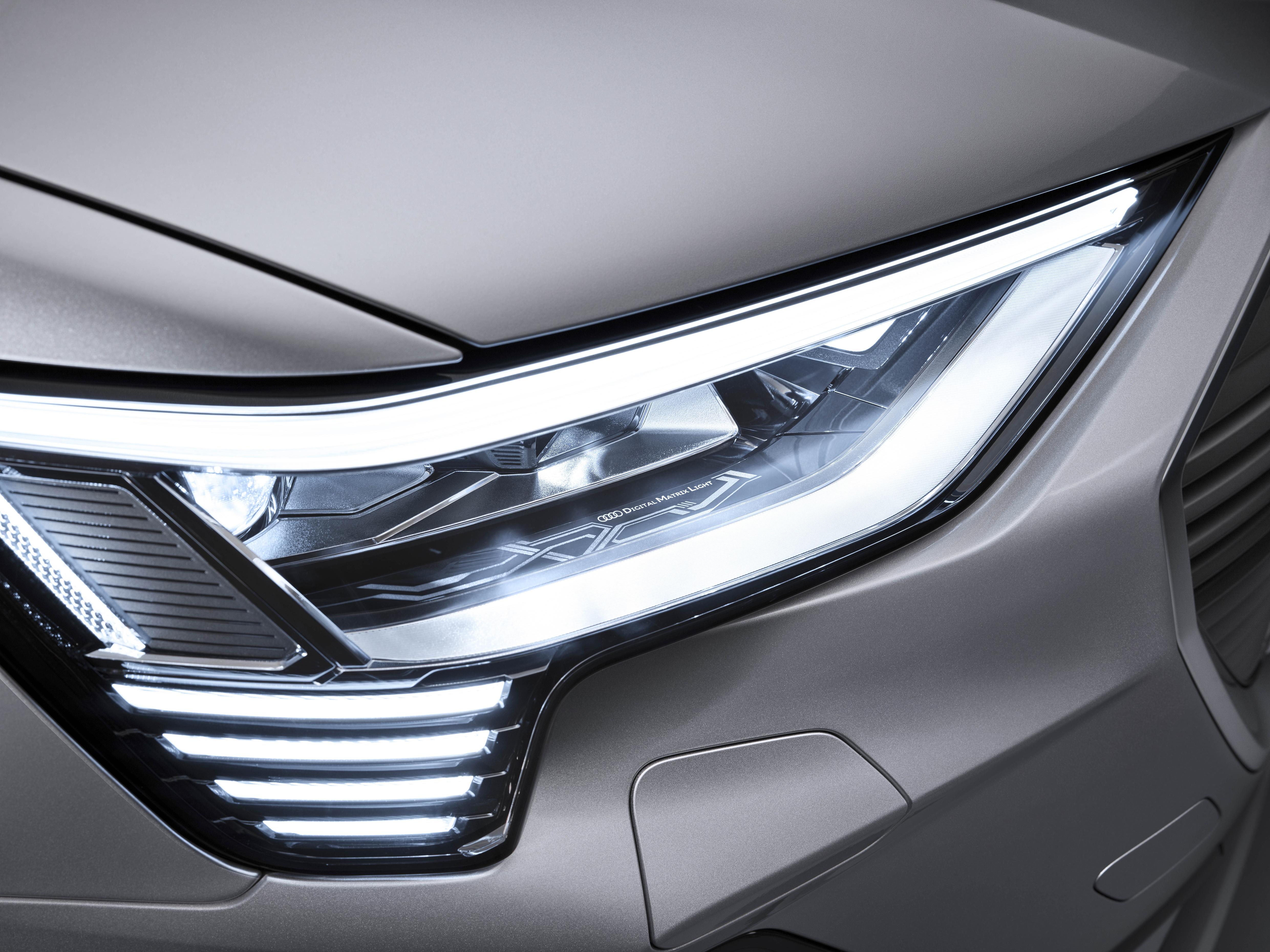 Die digitalen Matrix LED-Scheinwerfer des Audi e-tron Sportback. (AUDI)