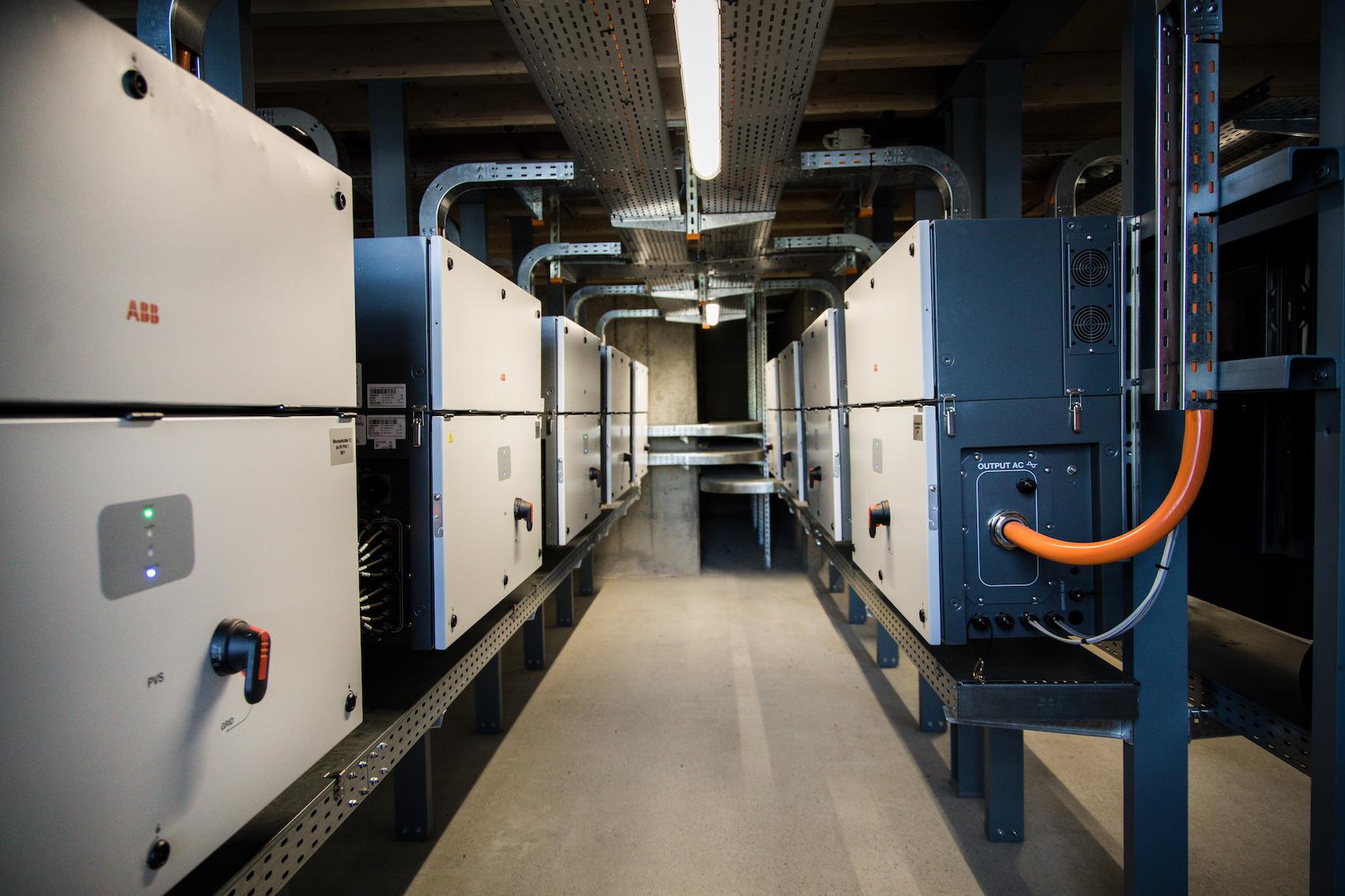 Plus de 500 kilomètres de câbles ont été posés pendant la construction de l'installation.